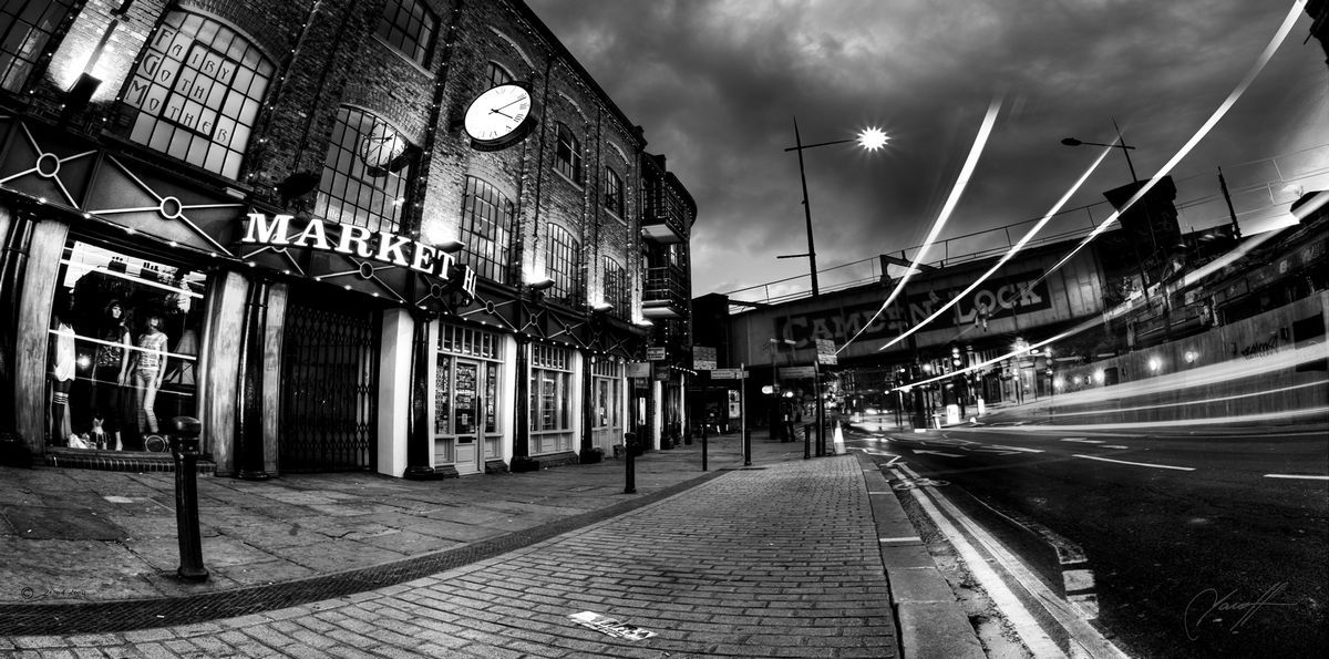 Camden Lock Black White